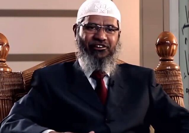 """A top Saudi honor has been awarded to a controversial Islamic cleric who has said that Muslim men may rape their slaves, has called 9-11 """"an inside job"""", and who was banned from the UK for """"unacceptable behavior."""""""