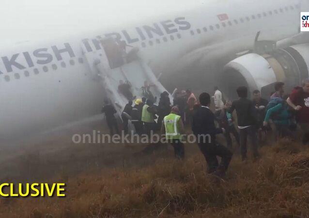 Turkish Airlines Crash Landing in Nepal
