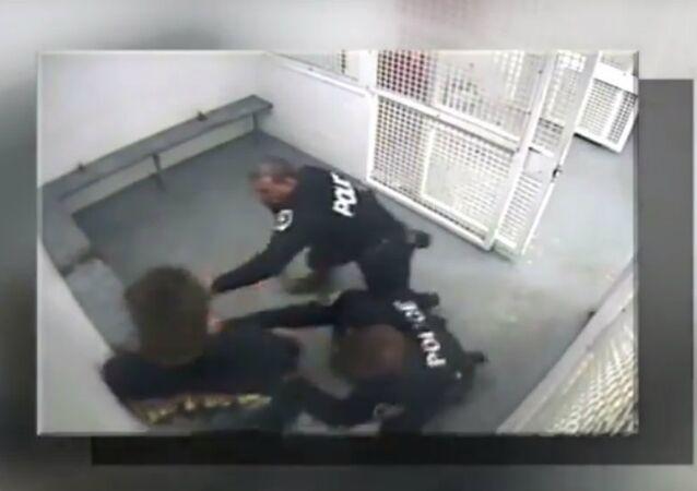 Flynn beaten by cops