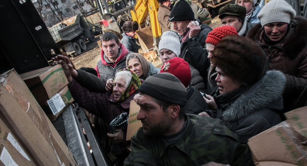 Debaltseve residents receive humanitarian aid from Donetsk People's Republic (DPR) militia
