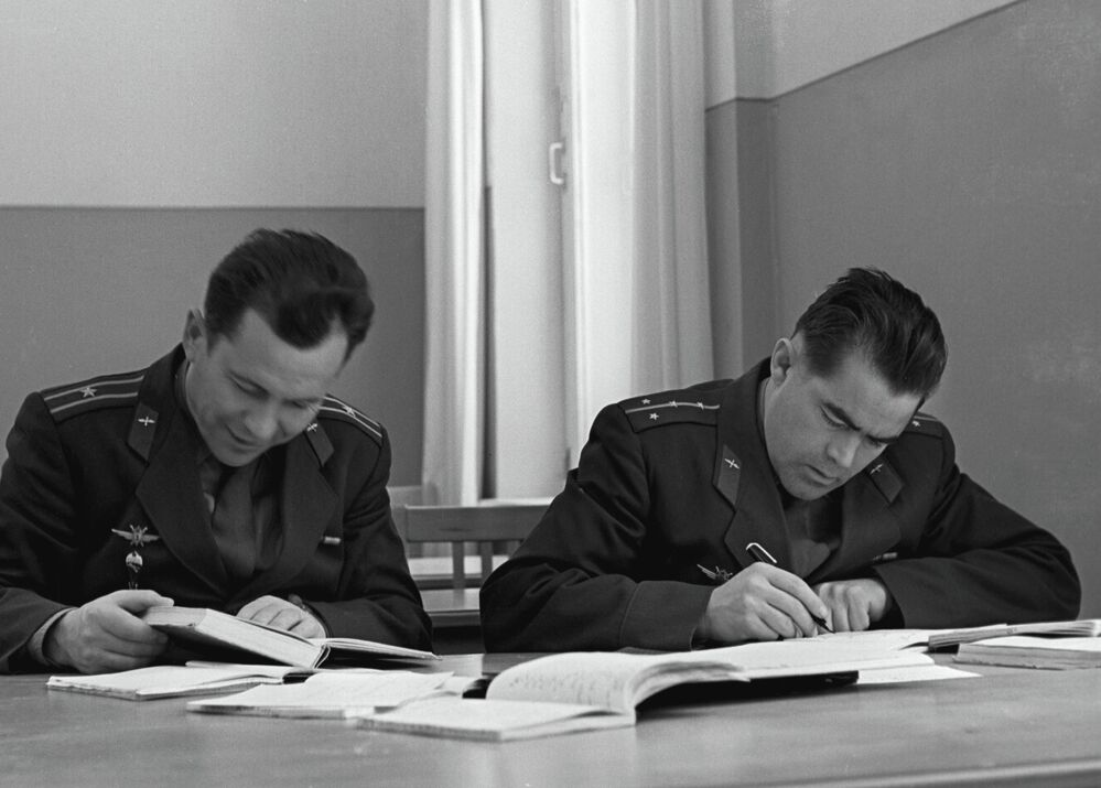 Cosmonauts Pavel Popovich, left, and Andriyan Nikolayev during an astronavigation class.