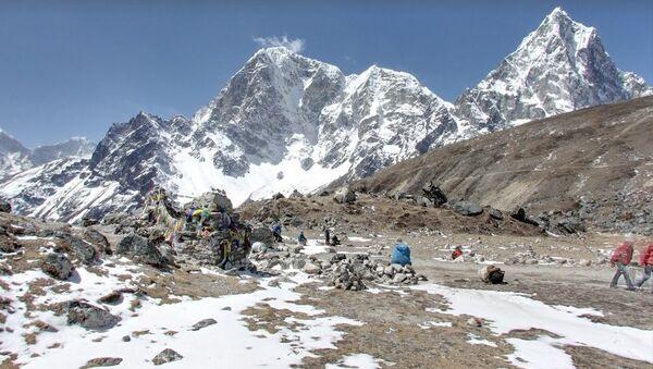 Everest Base Camp - Climbers Memorial - Sputnik International