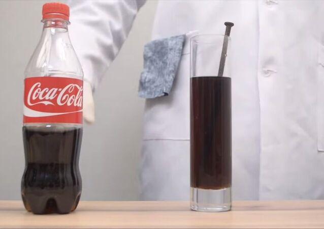 Coca-Cola vs Rusty Nail: Bye-Bye, Corrosion!