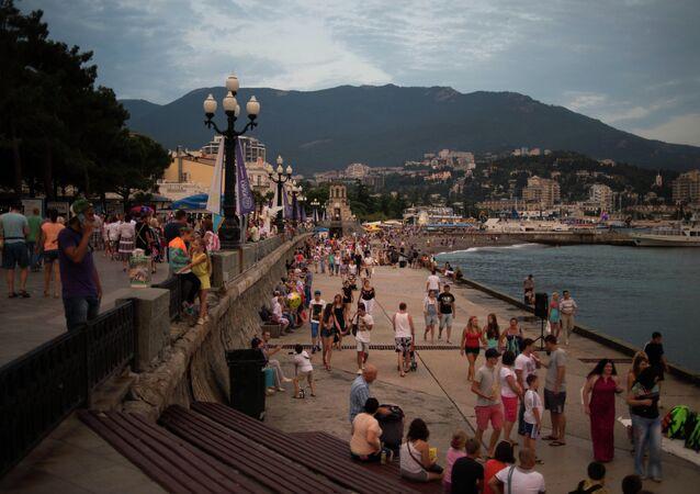 Tourist season in Yalta