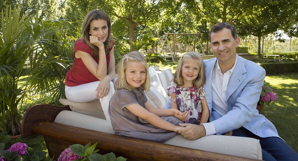 King Felipe VI of Spain and Queen Letizia of Spain with two daughters