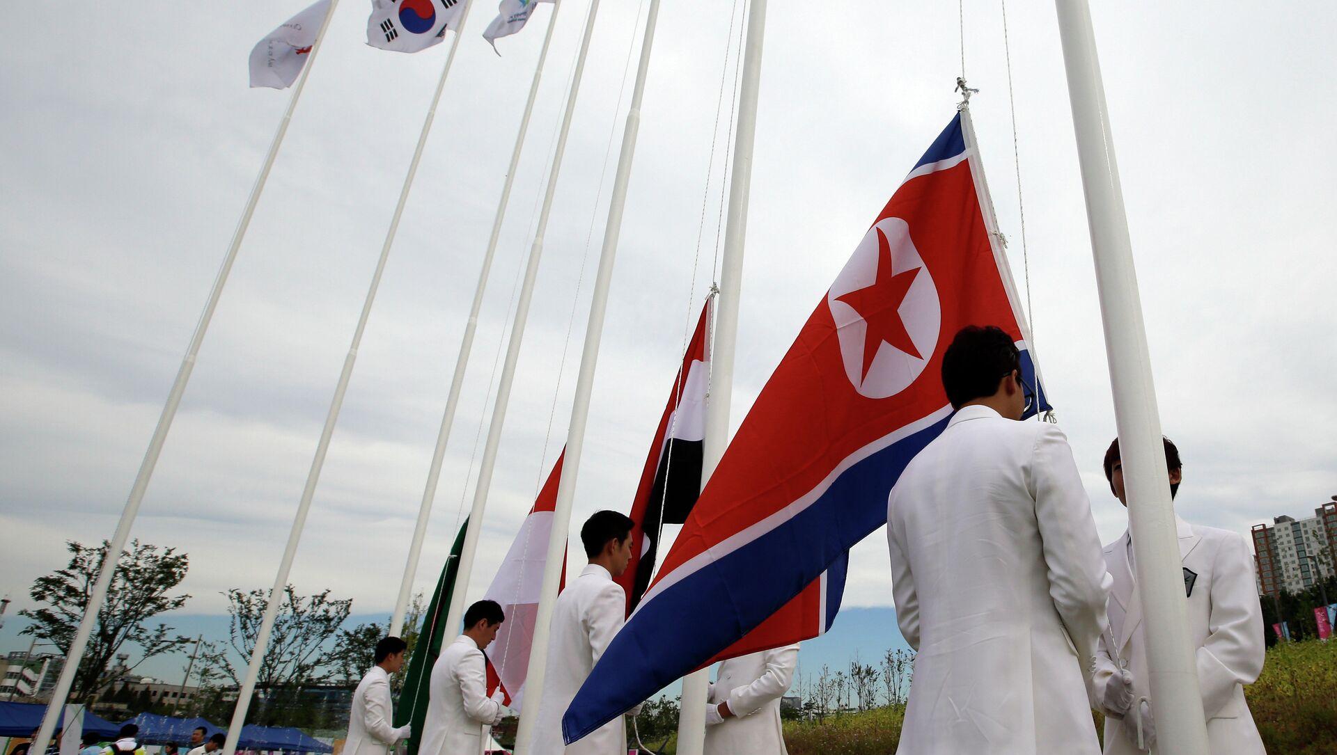 North Korea and South Korea Flag  - Sputnik International, 1920, 27.07.2021