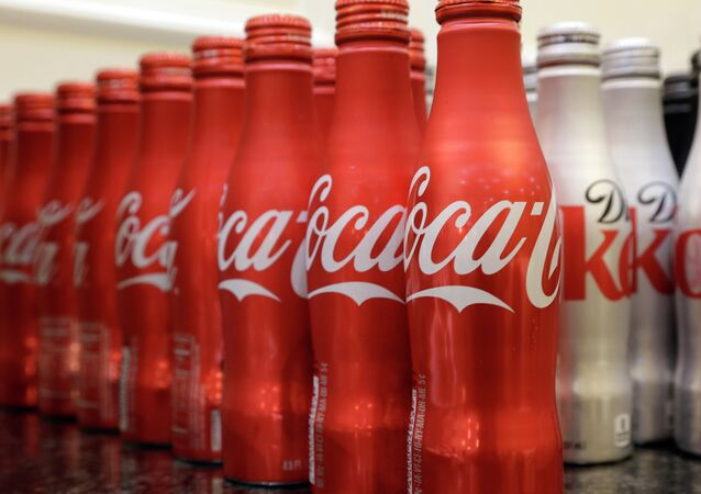 Coca-cola, which struggles with declining soda consumption in the US, is working with fitness and nutrition experts who suggest its cola as a healthy treat.