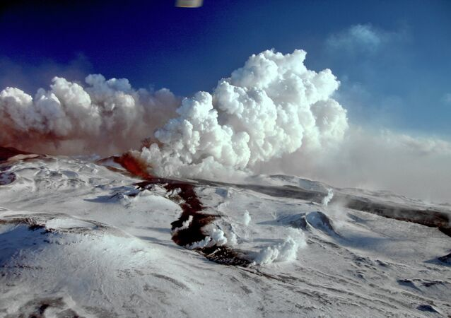 The Plosky Tolbachik Volcano erupts on the Kamchatka Peninsula