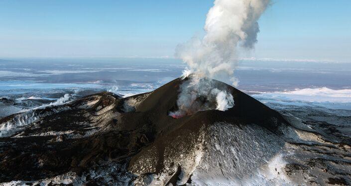 A side breakthrough eruption of Volcano Plosky Tolbachik in Kamchatka