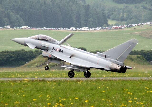 Austria has 14,120 active personnel and 4,273 reserve personnel in its Air Force.