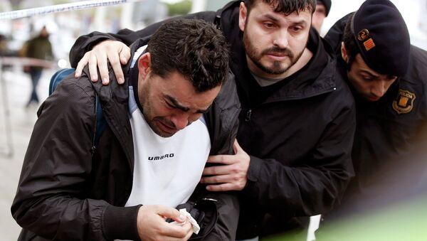 Family members of passengers feared killed in Germanwings plane crash - Sputnik International