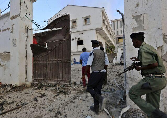 Somali police take position after Islamist group al Shabaab attacked Maka Al-Mukarama hotel in Mogadishu, March 27, 2015