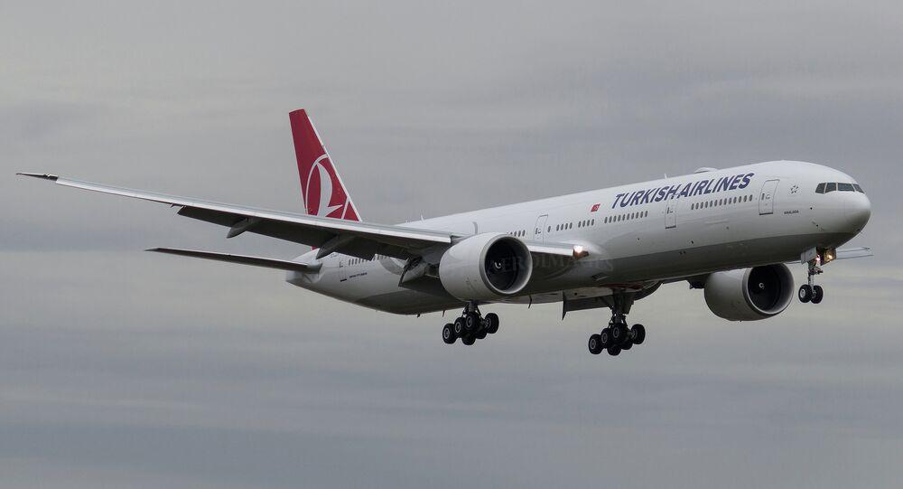 Turkish Airlines Boeing 777-3F2(ER)
