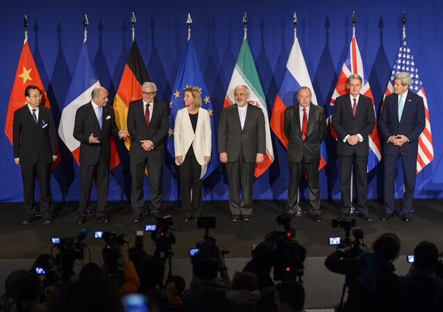 P5+1 and Iran representative pose prior to the announcement of an agreement on Iran nuclear talks on April 2, 2015