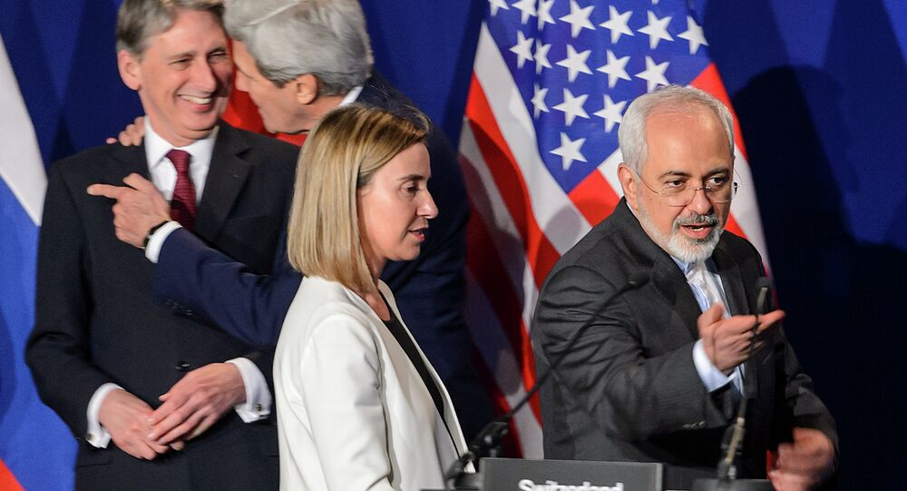 (Ftom L) British Foreign Secretary Philip Hammond, US Secretary of State John Kerry, EU's foreign policy chief Federica Mogherini and Iranian Foreign Minister Mohammad Javad Zarif arrive prior to the announcement of an agreement on Iran nuclear talks on April 2, 2015