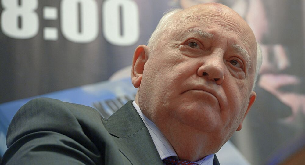 Mikhail Gorbachev meets with readers during presentation of his book After the Kremlin