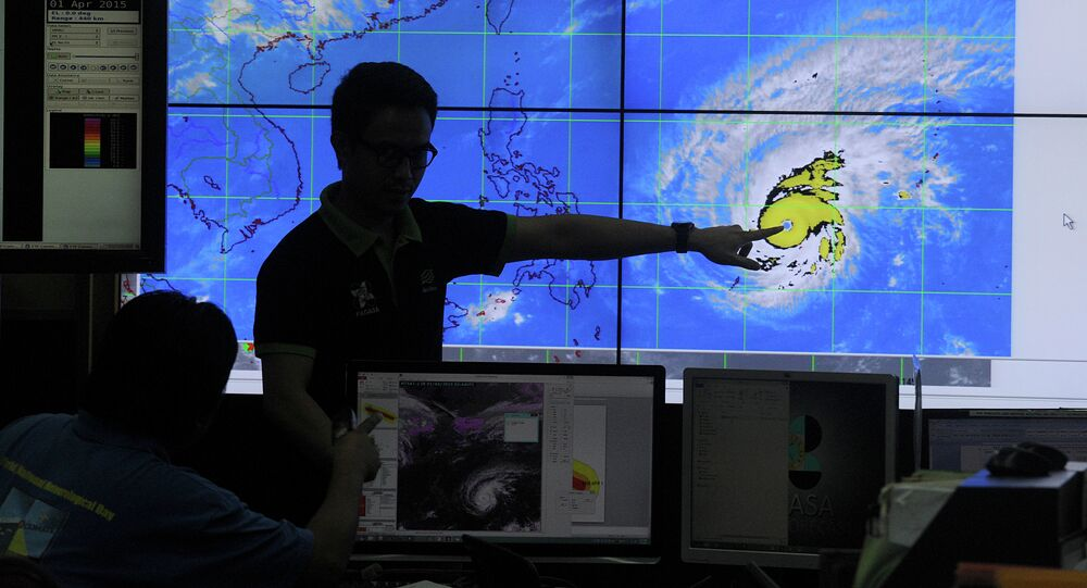 The Philippines is starting to evacuate residents of the Aurora Province in the Central Luzon region as typhoon Lando (Koppu) approaches.