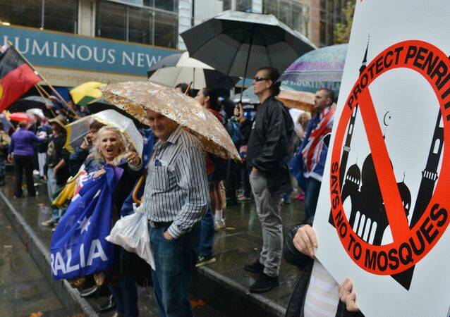 """Protesters attend a """"Reclaim Australia"""" rally to oppose religious extremism in Sydney on April 4, 2015"""