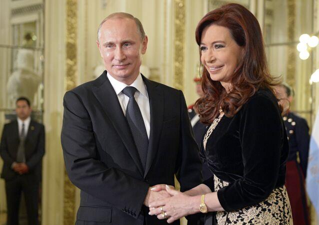 Russian President Vladimir Putin and Argentine President Christina Fernandez de Kirchner