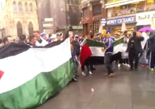 Bosnian fans meet a group of pro-Palestine demonstrators and after Free Palestine soon start chanting Ubij, ubij Židove (Kill, kill the Jews!) in Vienna's central square (Stephansplatz) a few hours before the international friendly Austria - Bosnia&Herzegovina.