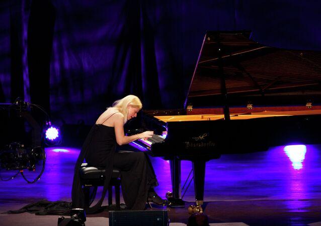 Ukraine-born classical pianist Valentina Lisitsa