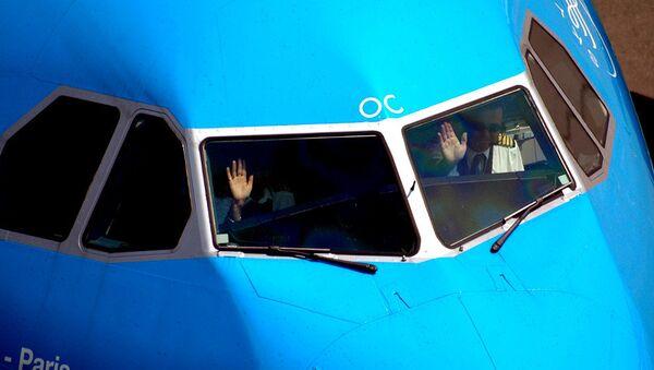 Pilots in a cockpit - Sputnik International