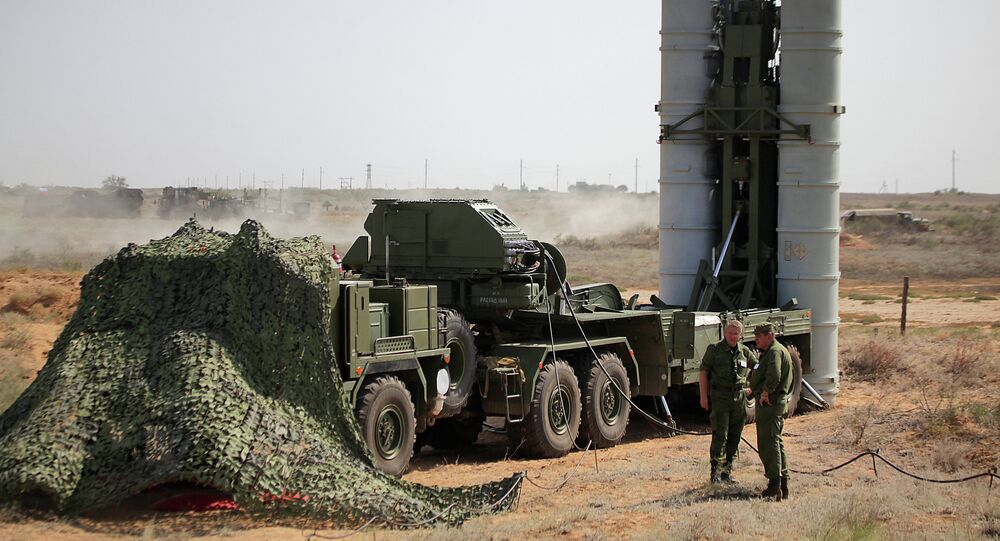 Preparing to fire an S-400 Triumf anti-aircraft missile at the Ashuluk proving grounds during an Aerospace Defence Forces tactical drill