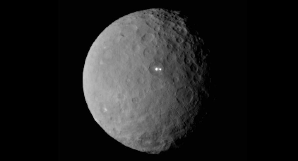 The mysterious flashes observed on the dwarf planet Ceres seem to have different origins, as revealed in new, closer photos taken by the Dawn spacecraft.