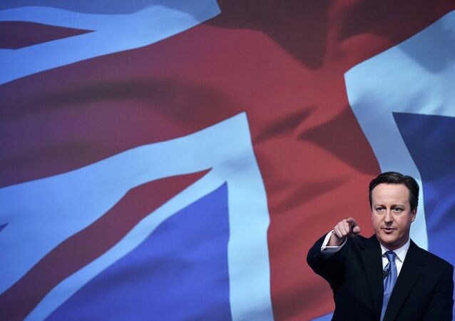 Britain's Prime Minsiter David Cameron launches the Conservative Party's election manifesto in Swindon, western England, April 14, 2015