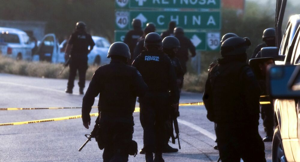 Mexican Federal personnel police