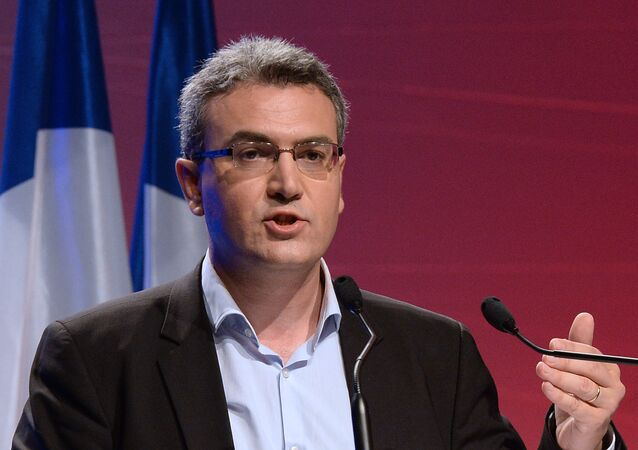 Head of French far-right party Front National (FN) candidate for the European elections for Paris' area constituency Aymeric Chauprade delivers a speech during a campaign meeting, on May 18, 2014 in Paris
