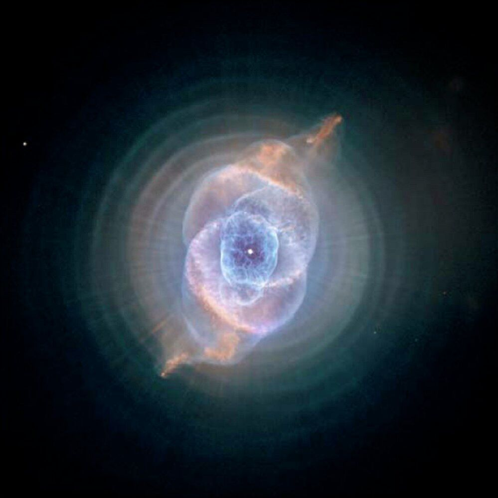 Hubble: The Sky Eye Discovering Top Secrets of the Universet