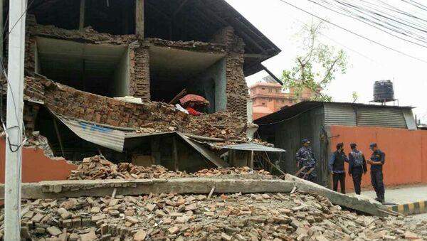 Collapsed building is seen in Nepal's capital Kathmandu - Sputnik International