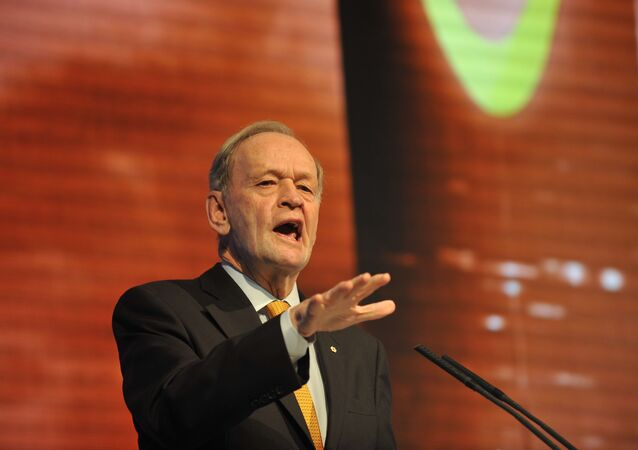 Former Canadian Prime Minister Jean Chretien is expected to meet Vladimir Putin tête-à-tête to discuss relations between Russia and the West.