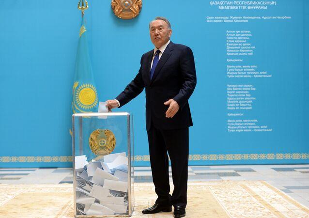 President of Kazakhstan Nursultan Nazarbayev votes at the early presidential elections