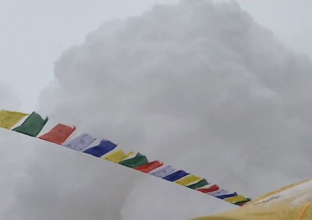 Hit by Avalanche in Everest Basecamp