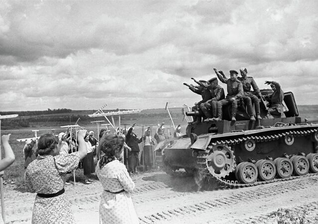 Soviet tank operators on captured tank