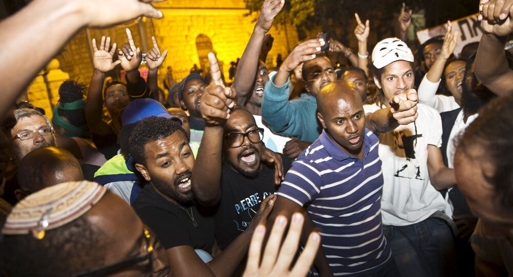 Israeli protesters, Jews of Ethiopian origin, participate in a protest on what they say was police violence against their community in Jerusalem April 30, 2015