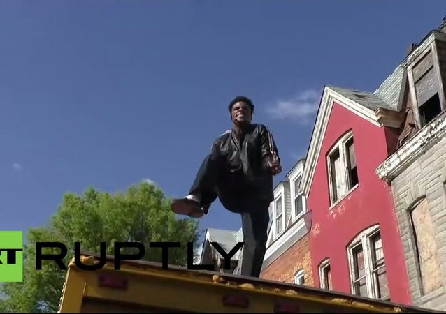 USA: Michael Jackson rocks Baltimore protest