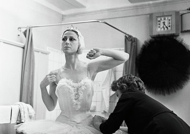 Queen of the Stage: Russian Ballerina Maya Plisetskaya