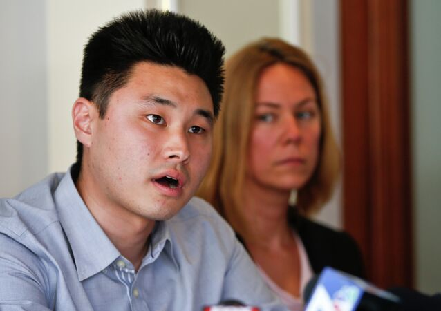 DEA Agents Who Left Student in Cell for 5 Days Without Food & Water Only Get Reprimands