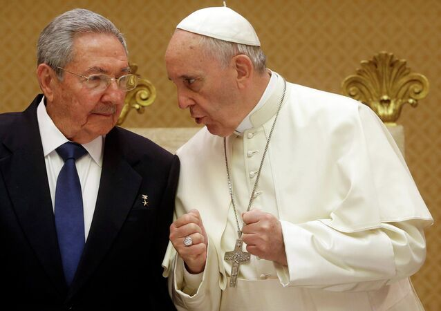 Cuban President Raul Castro and Pope Francis
