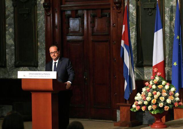 French President Francois Hollande delivers a speech at Havana's University, in Havana, Cuba