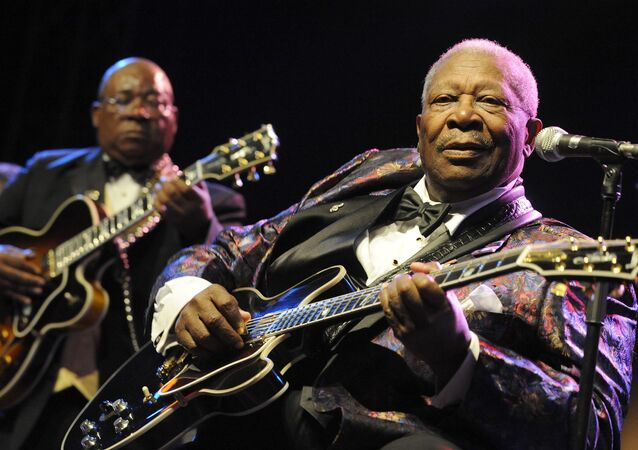 US blues legend BB King performs on stage during his ''One more time'' tour on July 15, 2009 in Prague.
