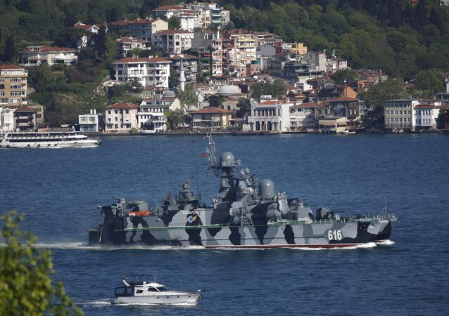 The Russian Navy guided missile corvette Samum sets sail in the Bosphorus, on its way to the Mediterranean Sea, in Istanbul, Turkey May 14, 2015