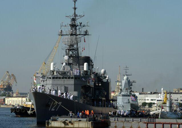 Torpedo vessels of Japan Maritime Self-Defense Force visit St. Petersburg