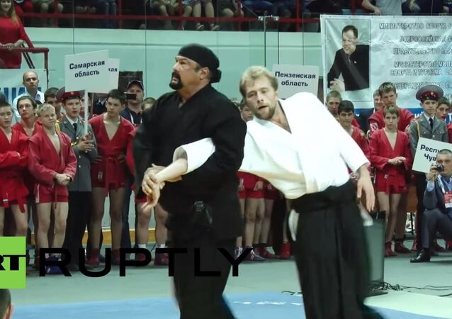 Steven Seagal shows his aikido skills at Saratov Sambo tournament