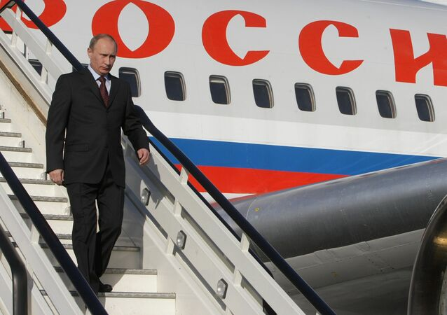 Vladimir Putin arrives on Air Force One plane