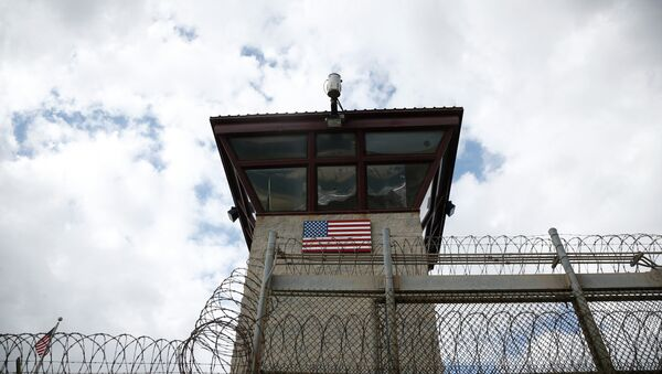 As of Wednesday, US authorities at Guantanamo Bay, Cuba will prohibit lawyers from bringing food to their imprisoned clients during meetings, purportedly to ensure food safety. - Sputnik International