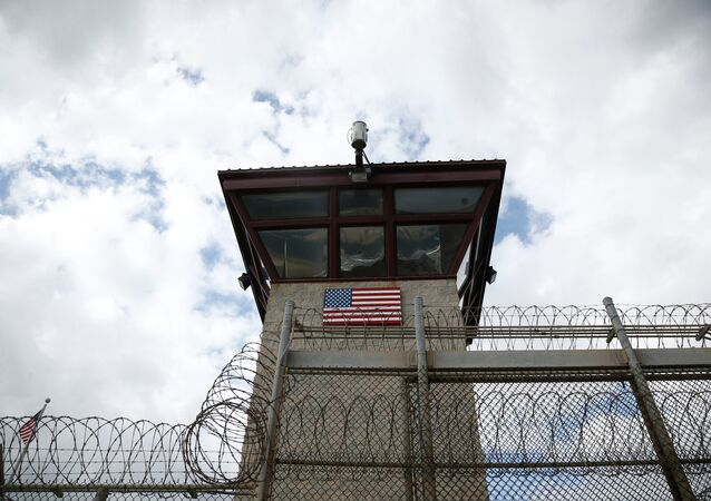 As of Wednesday, US authorities at Guantanamo Bay, Cuba will prohibit lawyers from bringing food to their imprisoned clients during meetings, purportedly to ensure food safety.